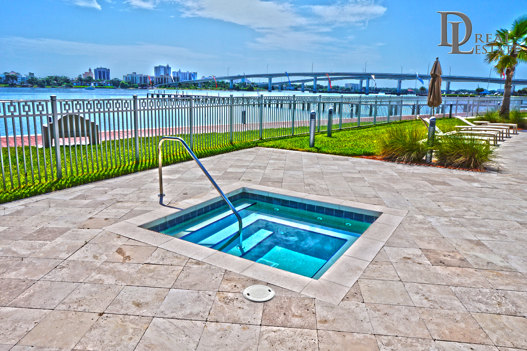 MG On The Halifax Penthouse Condo 2604 Riverfront Jacuzzi Spa